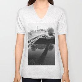 Ha'penny bridge Unisex V-Neck