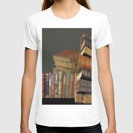 DECORATIVE  ANTIQUE LIBRARY, LEDGERS &  BOOKS ART T-shirt