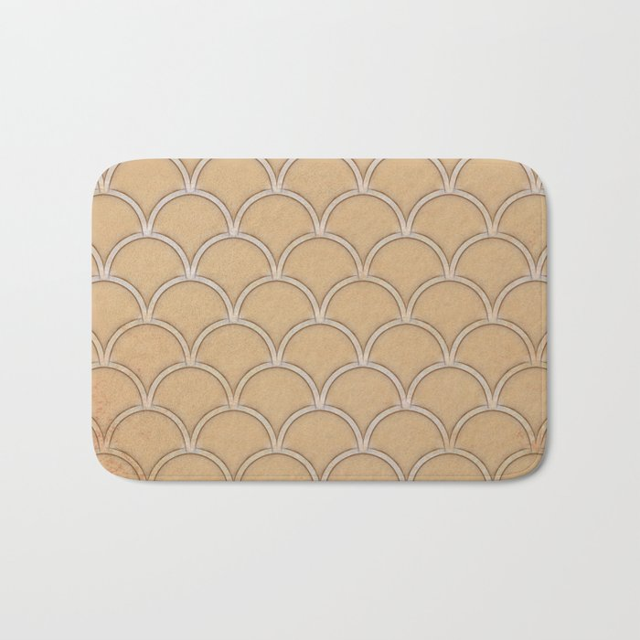 Abstract large scallops in iced coffee with texture Bath Mat