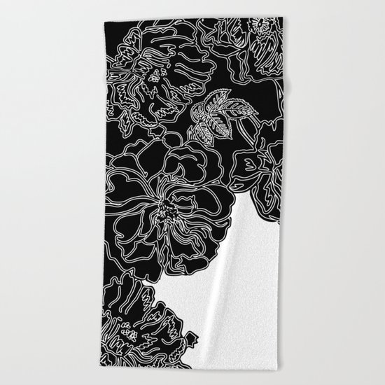 FLORAL IN BLACK AND WHITE Beach Towel