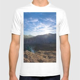 Smith Rock National Park and the river bend, Oregon T-shirt