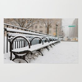 Snowing in Central Park Rug