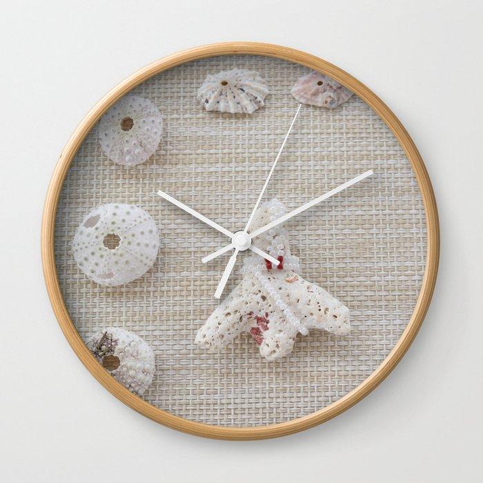 Seashells and urchins design Wall Clock
