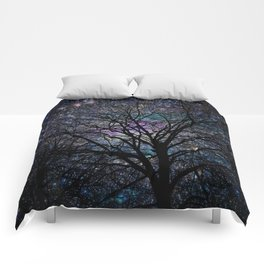gorgeous darkness Comforters