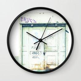 Blanco y óxido Wall Clock