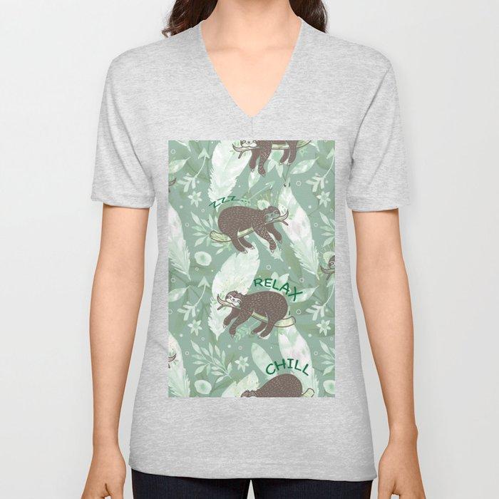Lazy Boho Sloth On green Background Unisex V-Ausschnitt