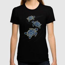Japanese Pond Turtle / Dark Blue T-shirt