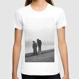 Twee mannen op de kade van de Seine in Parijs, Bestanddeelnr 254 0218 T-shirt