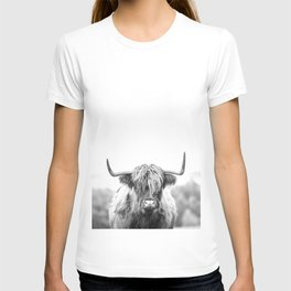Highland Cow Longhorn in a Field Black and White T-shirt