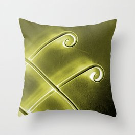 Papillon d'or Throw Pillow
