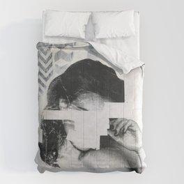 Torn 1 Comforters