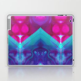 mirror 4 Laptop & iPad Skin