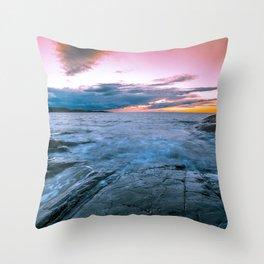 Arctic sunset Throw Pillow