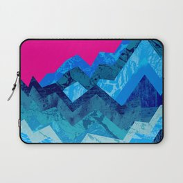 The hight waves under a small moon Laptop Sleeve