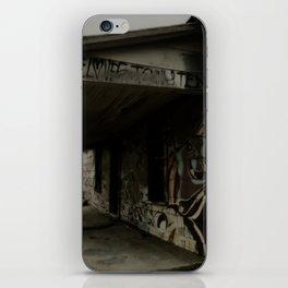 graffiti house iPhone Skin