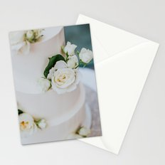 White Wedding Cake and Flowers Stationery Cards