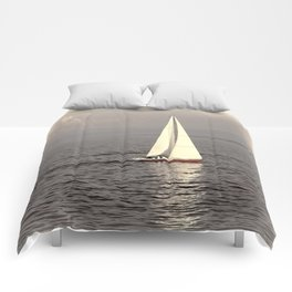 Sailing boat on the lake Comforters