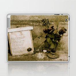 Les Yeux Grave  Laptop & iPad Skin
