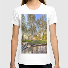 Buckingham Palace and Canadian War Memorial T-shirt