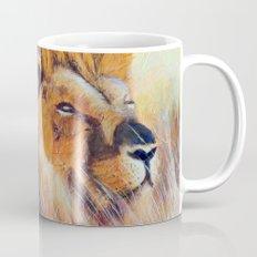 Lion sun bathing   Bain de soleil Lion Mug