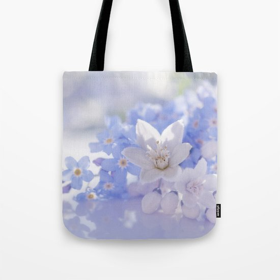 Queen and court- Springflowers in blue and white - Stilllife Tote Bag