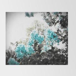 Turquoise & Gray Flowers Throw Blanket