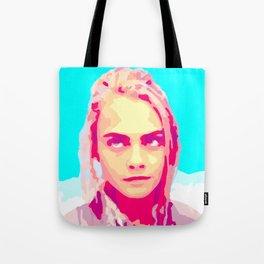 Cara Delevingne in Valerian Tote Bag