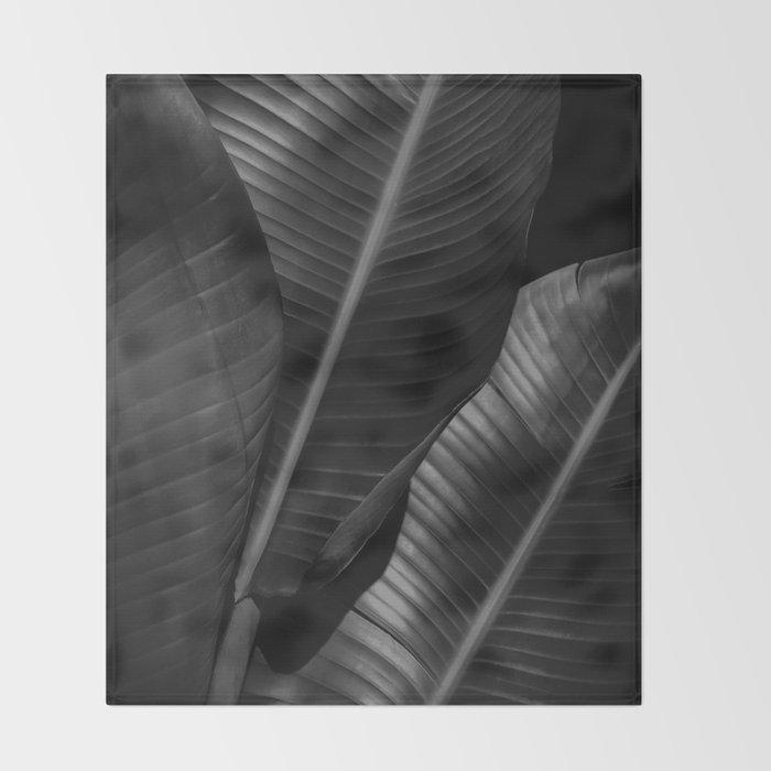 Banana leaf allure - night Throw Blanket