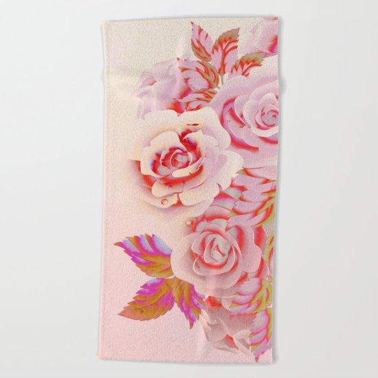 composition florale en rose Beach Towel