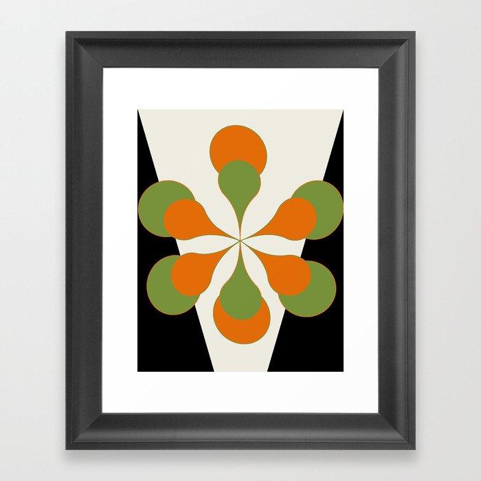 Mid-Century Modern Art 1.4 - Green & Orange Flower Gerahmter Kunstdruck
