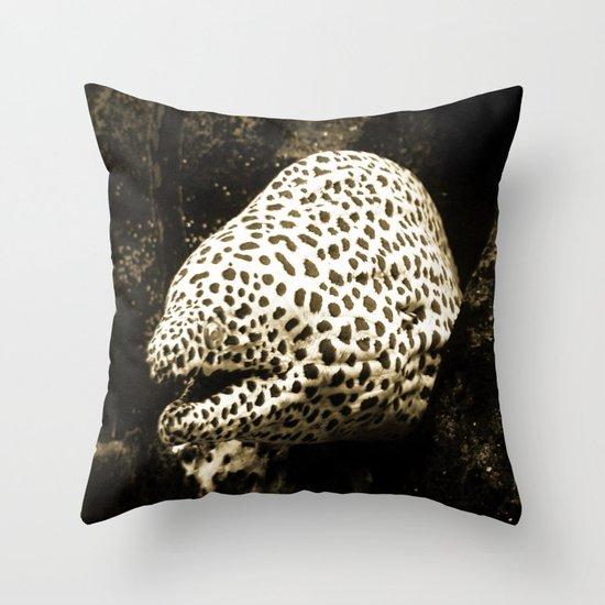 I am not tasty Throw Pillow