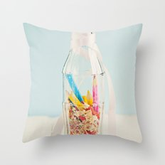 Botella de colores Throw Pillow