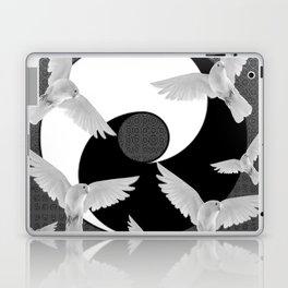 B&W  YIN & YANG Taoism/Daoism PEACE DOVES Laptop & iPad Skin