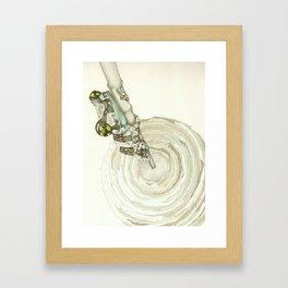 Living Interiors serie - Frog Framed Art Print