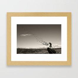 la liberación del alma Framed Art Print