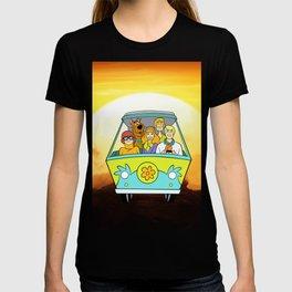 dog scooby sunset T-shirt