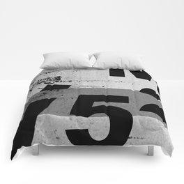 GRUNGE TECHNO V52m Typography | smoke grey black Comforters