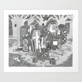 Noia asseguda entre taüts i altaveus al bosc Art Print