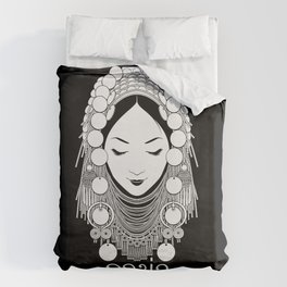 Akha Hilltribe Lady / Black Duvet Cover