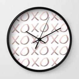 Elegant rose gold xoxo pattern Wall Clock