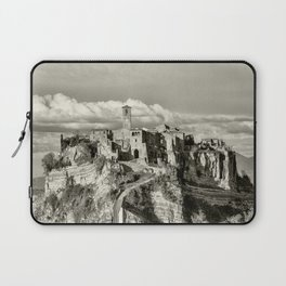 Civita di Bagnoregio, Italy Laptop Sleeve