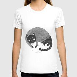 Night cat T-shirt