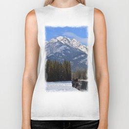 """""""Banff Wolf in Winter with Mt Cascade"""" Biker Tank"""