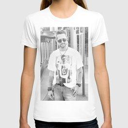 Drew props meta Ryan shirt T-shirt