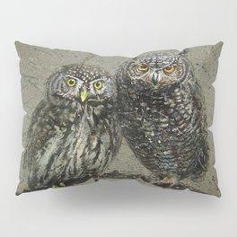 Little owl's background Pillow Sham