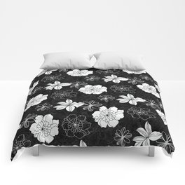 Black and white flowers Comforters