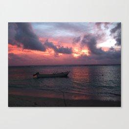 Ha'atafu Beach sunset Canvas Print