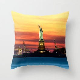 Statue of Liberty NYC (Color) Throw Pillow