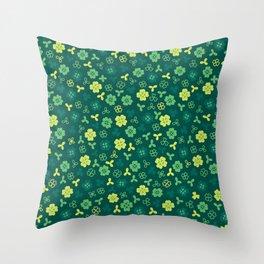 St Patricks Seamless Pattern Throw Pillow