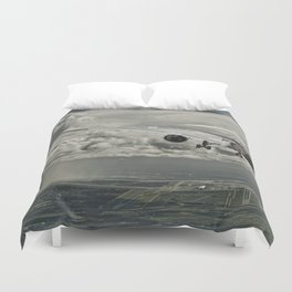 Stormy approach Duvet Cover